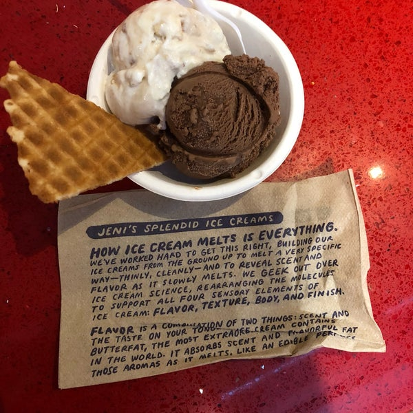 Das Foto wurde bei Jeni's Splendid Ice Creams von Julie J. am 9/15/2018 aufgenommen