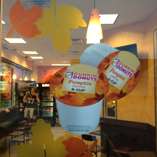 Photo taken at Dunkin Donuts by Kevin V. on 10/5/2013