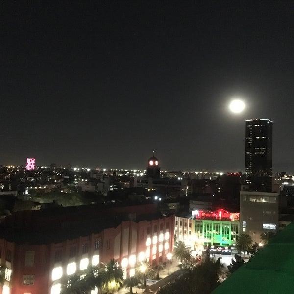 Das Foto wurde bei Mirador Monumento a la Revolución Mexicana von Hentay G. am 11/4/2017 aufgenommen
