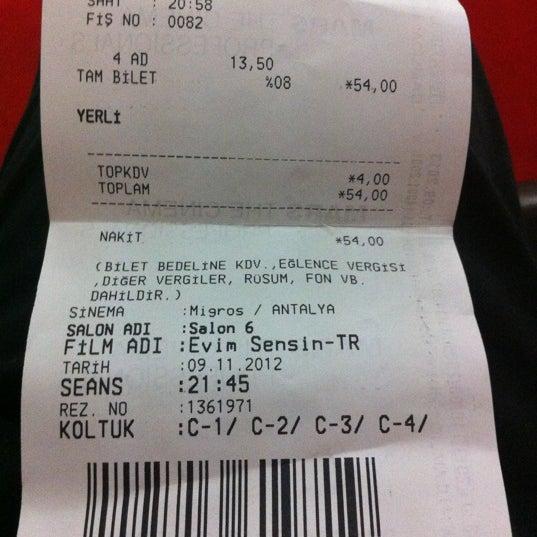 Photo taken at Cinemaximum by Ertuğrul Y. on 11/9/2012