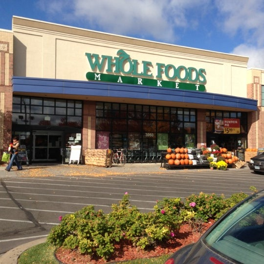 Whole foods market west calhoun 36 tips from 3876 visitors for Wegmans fish fry