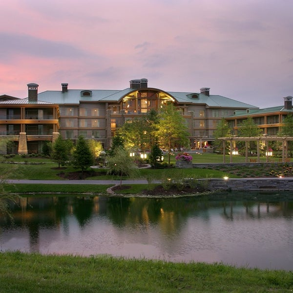 Photo taken at The Lodge at Turning Stone by Danny R. on 10/27/2014