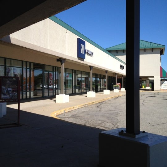 Jul 24,  · The outlet mall at Fremont is a little disappointing. There are many shop fronts but few occupancies. We made purchases at the Pickle Factory and Van Heusen stores. The outlet mall is a good diversion for rainy days when camping at Pokagon State Park 3/5.