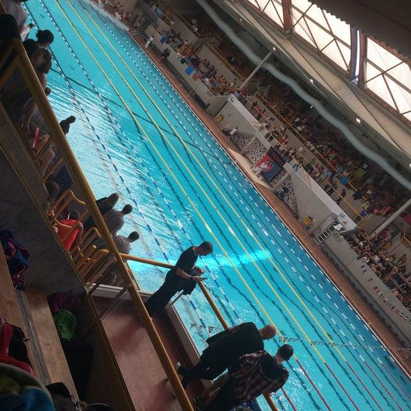 Piscine georges vallerey piscine des tourelles pool in for Piscine vallerey
