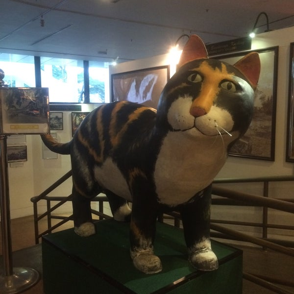 Photo taken at Muzium Kucing (Cat Museum) by nurazah on 3/28/2016