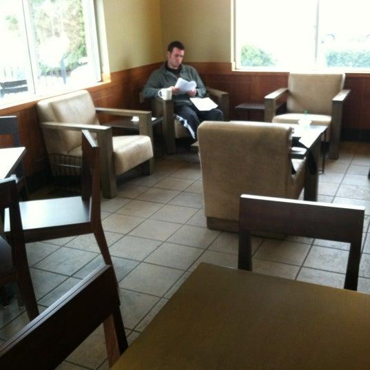 Photo taken at Starbucks by Alice L. on 12/11/2012