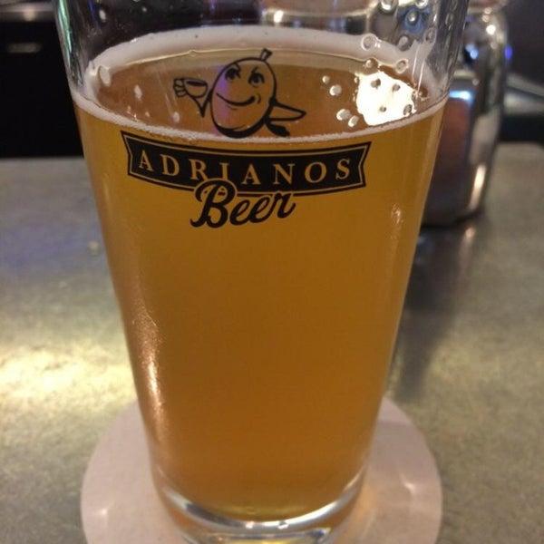 Foto scattata a Adriano's Bar & Café da Johann il 6/17/2014