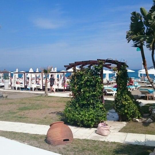 Foto tomada en Playa Miguel Beach Club por Luis T. el 4/18/2015