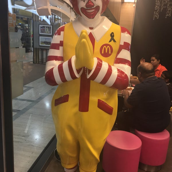 Photo taken at McDonald's by farnaz s. on 11/30/2016
