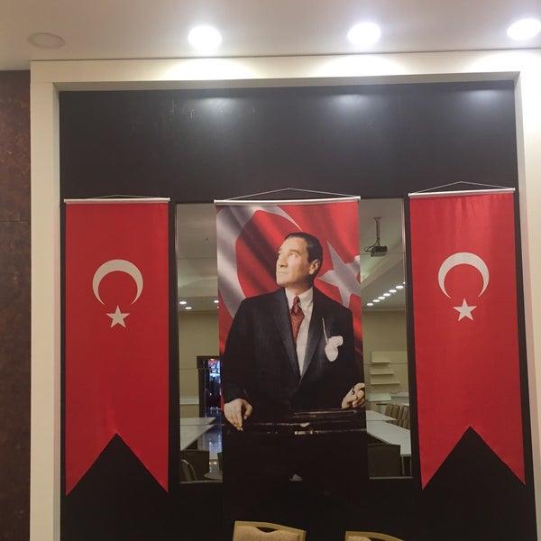 Foto scattata a Esila Hotel Ankara da Hotel E. il 12/20/2017