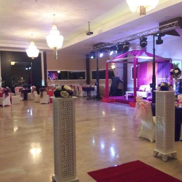 Foto scattata a Esila Hotel Ankara da Hotel E. il 9/13/2017
