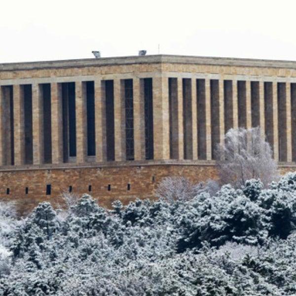 Foto scattata a Esila Hotel Ankara da Hotel E. il 12/26/2017
