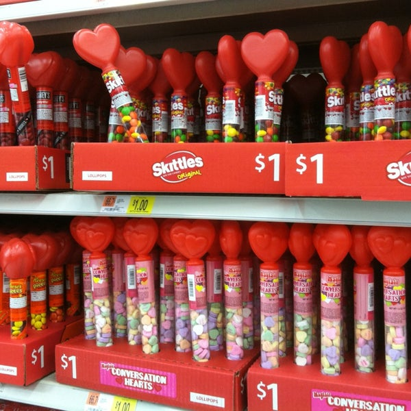 Photo taken at Walmart Supercenter by Mangrove on 12/26/2012