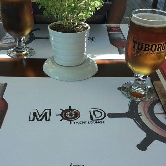 7/21/2013 tarihinde David K.ziyaretçi tarafından Mod Yacht Lounge'de çekilen fotoğraf