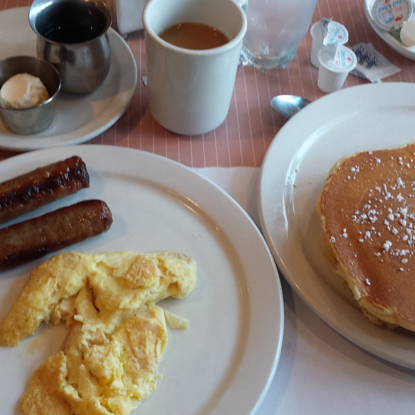 """The 2x4 - simple breakfast - covered all the bases! Eggs, awesome pancakes, and link sausage. Very attentive staff kept my coffee cup topped off. Remember to bring cash or use the """"no fee"""" atm."""