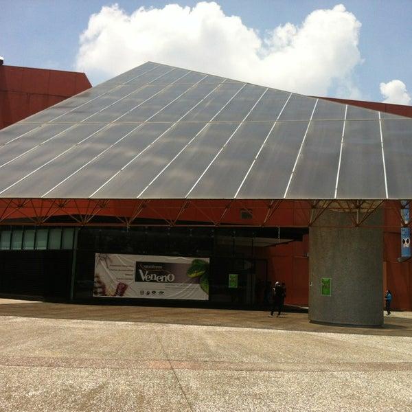 Photo prise au Universum, Museo de las Ciencias par Aaron Z. le7/14/2013