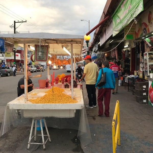 Foto diambil di Mercado Pino Suarez oleh Aaron Z. pada 10/23/2016