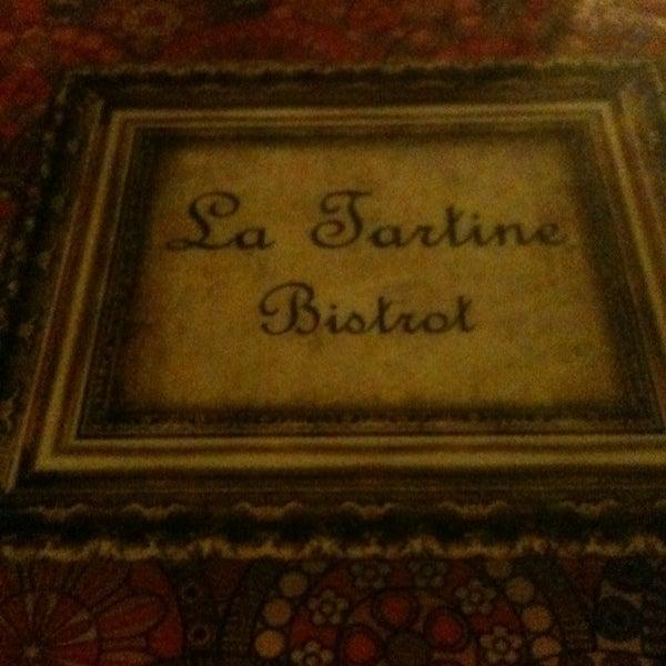 Foto tirada no(a) La Tartine Bistrot por vivian A. em 3/1/2013