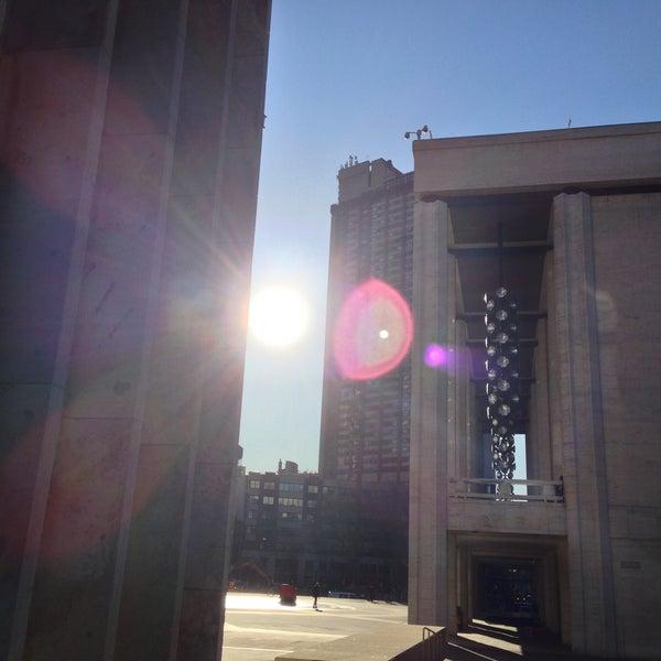 4/16/2013にJames S.がLincoln Center for the Performing Artsで撮った写真
