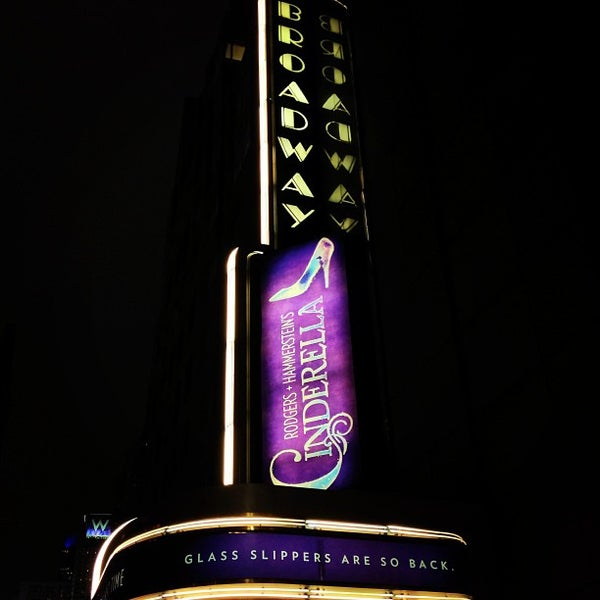 1/31/2013にJames S.がBroadway Theatreで撮った写真