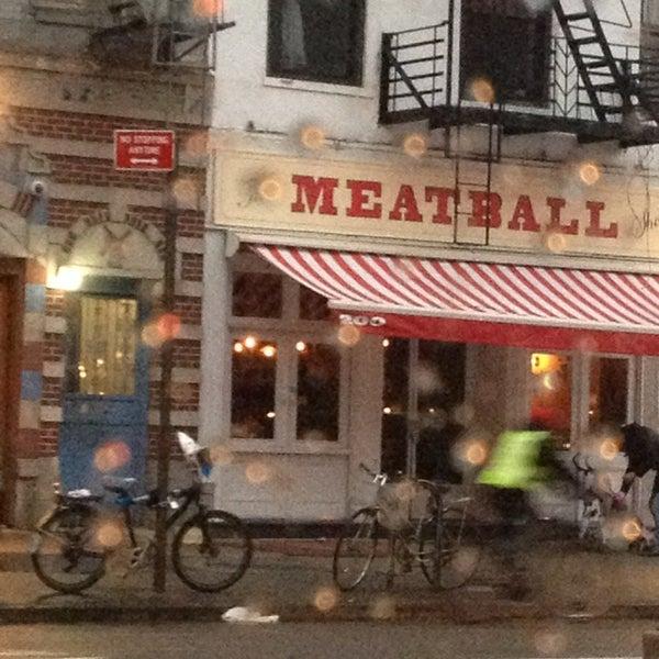 Photo prise au The Meatball Shop par Valerie Mae F. le3/16/2013