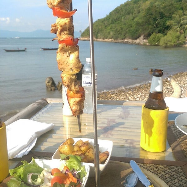 Beautiful view, sound of the waves, attentive service.... Chicken skewer is excellent and salmon salad is very good too. Definitely worth the short walk from the fisherman's village!