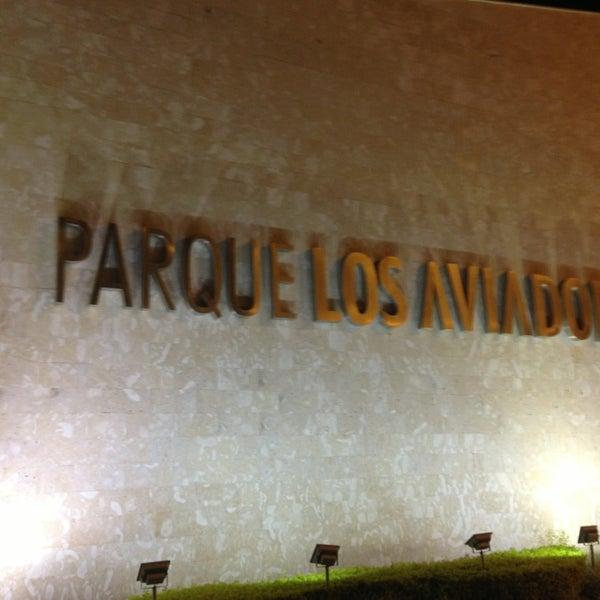 Foto tomada en C.C. Parque Los Aviadores por Sharon A. el 8/4/2013