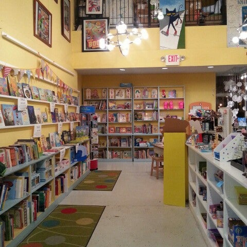 Photo taken at Little Shop of Stories by Shalonda C. on 1/20/2013