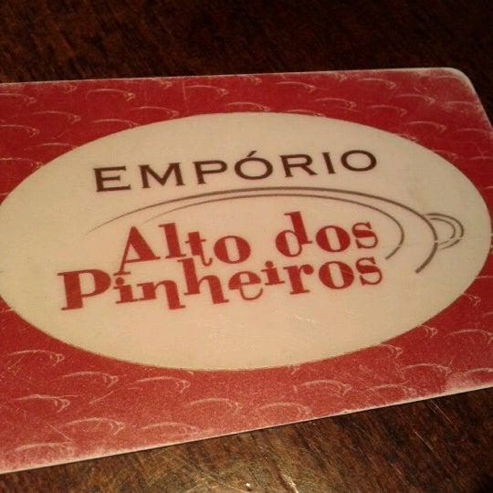 Foto tirada no(a) Empório Alto dos Pinheiros por ana augusta l. em 1/26/2013