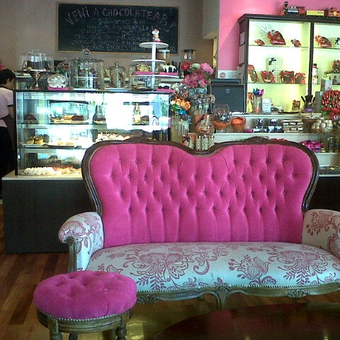 Photo taken at Suca Chocolate Lounge & Coffee by Vero M. on 11/17/2012
