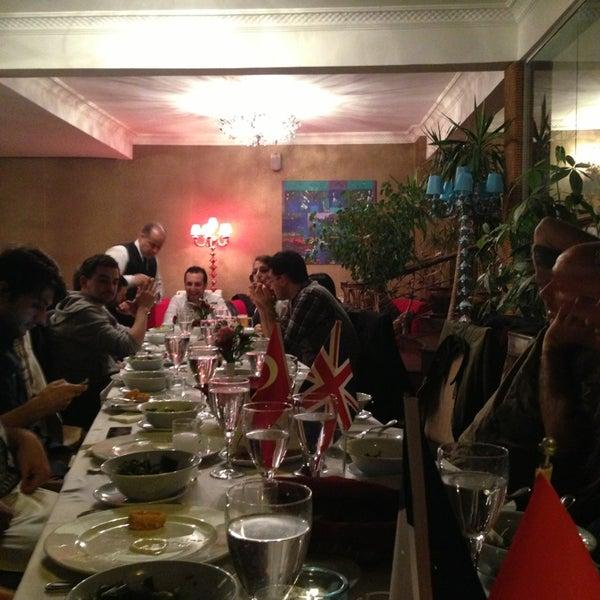 3/29/2013 tarihinde Ayşin Y.ziyaretçi tarafından Akıntı Burnu Restaurant'de çekilen fotoğraf
