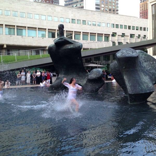 7/24/2013にalex p.がLincoln Center for the Performing Artsで撮った写真