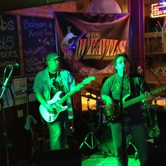 Photo taken at Peabody's Ale House by Brent S. on 1/14/2012
