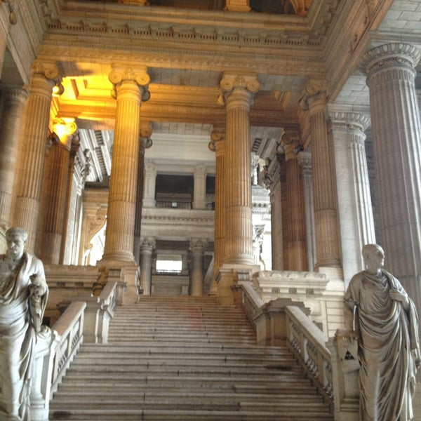 Photo taken at Justitiepaleis / Palais de Justice by Sandrine C. on 3/20/2013