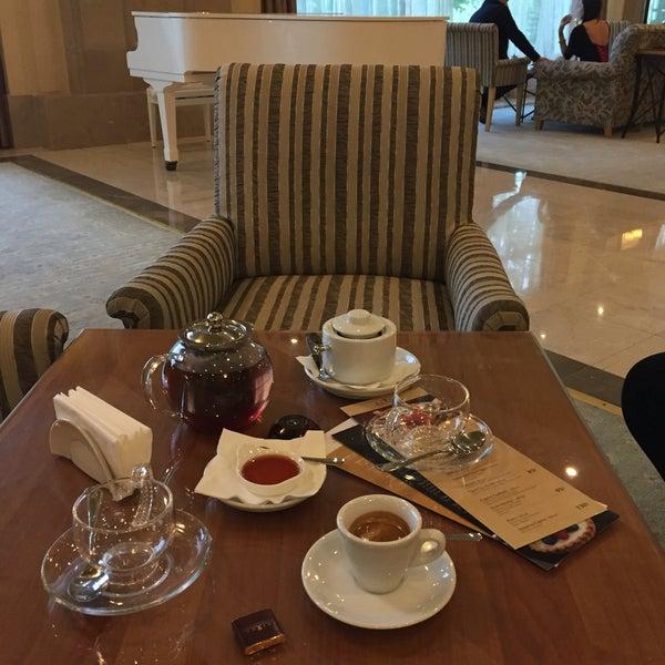 Вкусный чай и кофе.