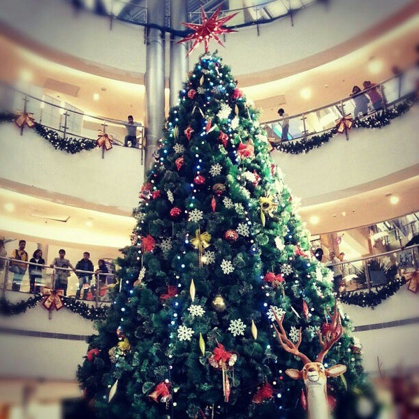 Photo Taken At The Great India Place Mall TGIP By Gaurav B On