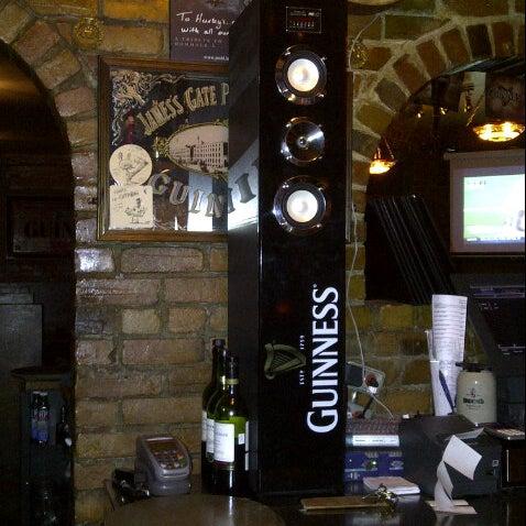 Foto tomada en Hurley's Irish Pub por Darayush D. el 10/28/2012