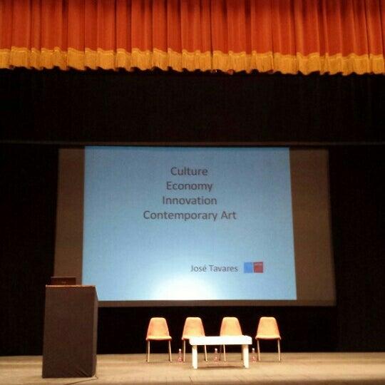 Das Foto wurde bei Teatro Metastasio von Giulio S. am 9/25/2015 aufgenommen