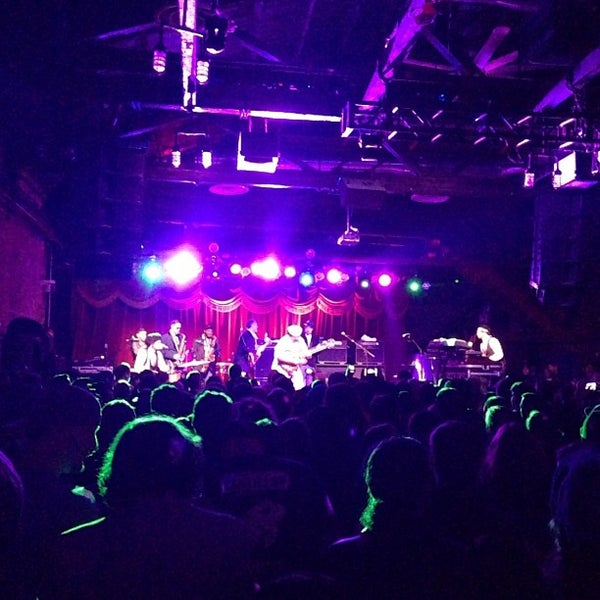 Photo taken at Brooklyn Bowl by Rafael G. on 3/16/2013