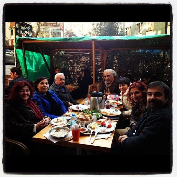 12/15/2012 tarihinde Başak Ş.ziyaretçi tarafından Dodo Cafe & Pub'de çekilen fotoğraf
