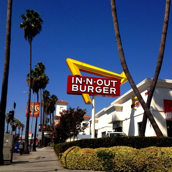 Photo taken at In-N-Out Burger by Shannon S. on 9/16/2012