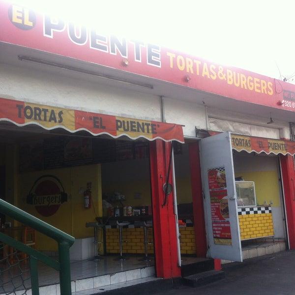 Foto tomada en Tortas & Burgers El puente por Tortas & Burgers El puente el 2/24/2016