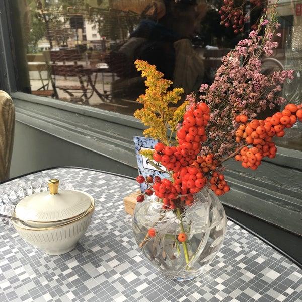 Das Foto wurde bei Café Maingold von Burcu B. am 10/21/2017 aufgenommen