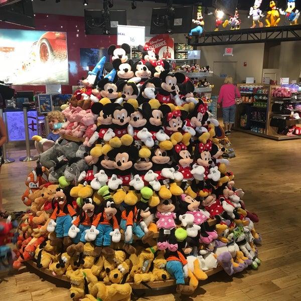 Disney store magasin de jouets de jeux for Jouetstore