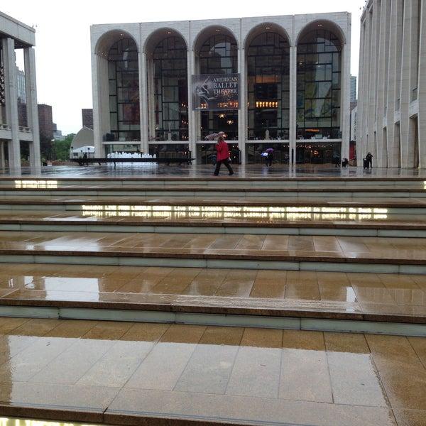 5/24/2013にRobert M.がLincoln Center for the Performing Artsで撮った写真
