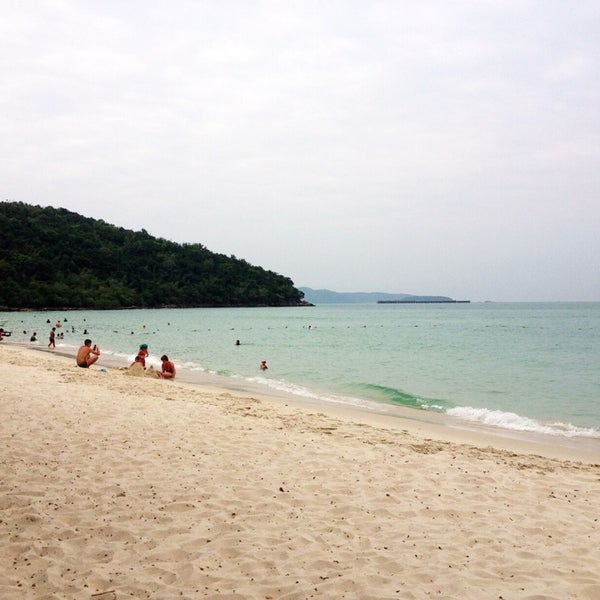 หาดสะอาดมาก มาครั้งที่3 แล้ว ก็ยังสวยอยู่
