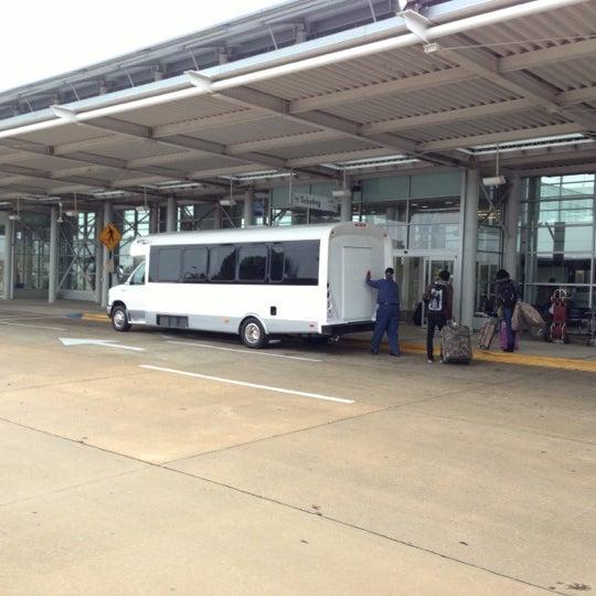 Photo taken at Shreveport Regional Airport (SHV) by Earl B. on 12/8/2012
