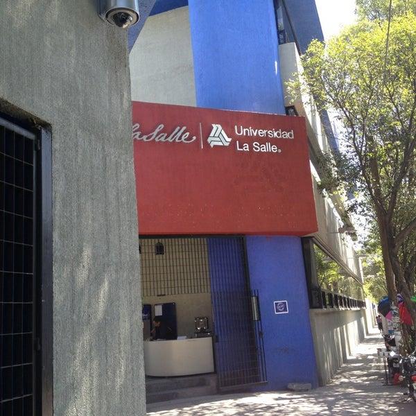 2/25/2013 tarihinde Jesus G.ziyaretçi tarafından Universidad La Salle'de çekilen fotoğraf
