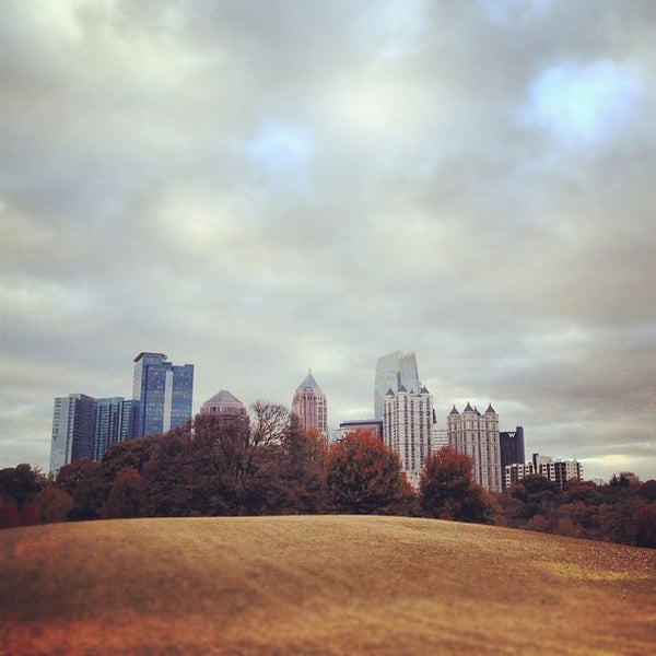 รูปภาพถ่ายที่ Piedmont Park โดย John M. เมื่อ 11/19/2012