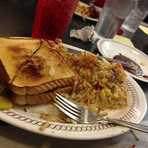Photo taken at Waffle House by Desha R. on 11/18/2012
